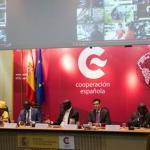 """Ponentes de la Mesa Redonda sobre """" Gobernanza Democrática en Senegal:descentralización y participación sobre la sociedad civil"""""""